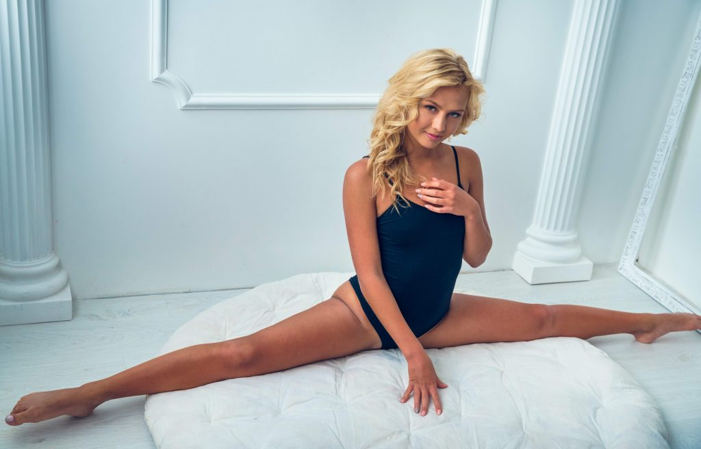 Cheap London Escorts - Flexible Blonde